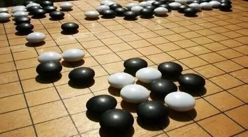 围棋下得好的孩子,成绩一般不会差!图片