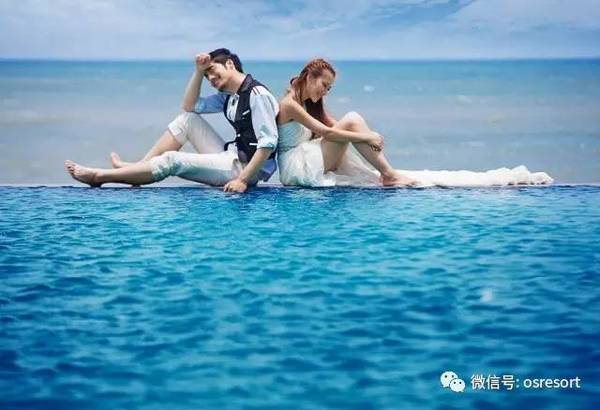 泳池边婚纱照_泳池边的性感韩国美女