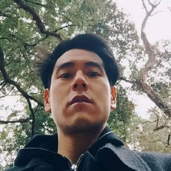 彭于晏自拍_彭于晏 自拍永远迷之角度的彭于晏,翻他的微博,可以看到各种鼻孔照